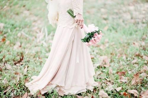 Tips Memilih Baju Pengantin Yang Sesuai Dengan Warna Kulit